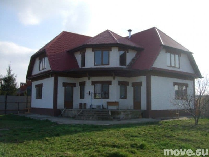 Дом на 2 хозяина, на 2 семьи п.Новознаменский 288кв.м.