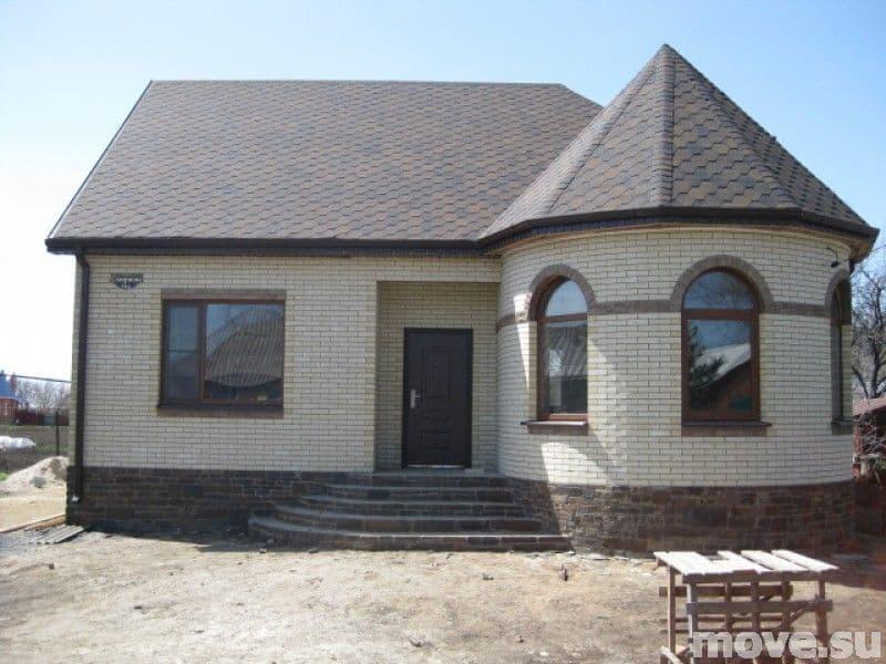 Продам кирпичный дом за городом