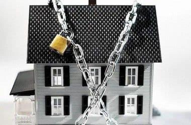 Выселение из квартиры: когда вас могут попросить покинуть жилье