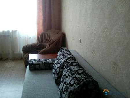 Сдам 1-комнатную квартиру, 40 м², Белгород, улица Есенина