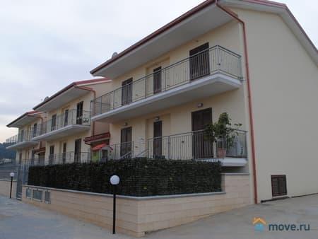 Продам 4-комнатную квартиру, 82 м², Montepaone, Монтепаоне