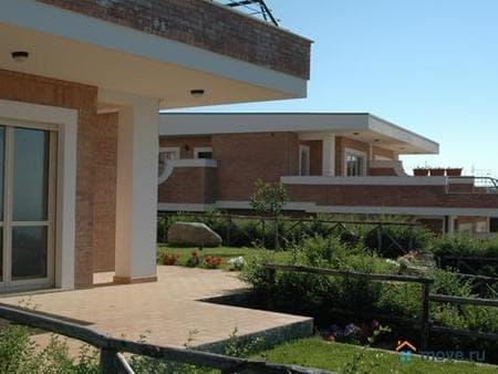 Продажа виллы, 91 м², 3 сотки, Soverato, Серра ди Маре