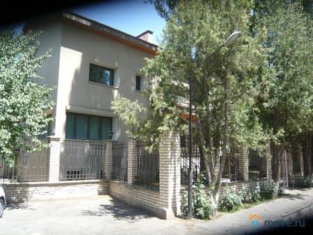 Продажа дома, 300 м², 6 соток, Ташкент, Фархадская