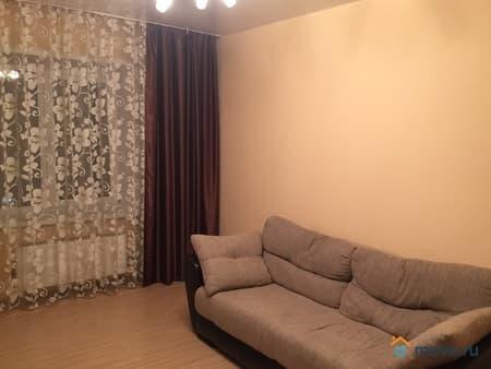 Сдаю 2-комнатную квартиру, 44 м², Энгельс, улица Советская, 1