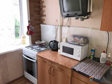 Сдам 3-комнатную квартиру, 63 м², Пермь, улица Нефтяников, 53
