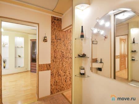 Продам 3-комнатную квартиру, 77 м², Петропавловск-Камчатский, Звездная, 1