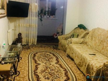 Продаю 4-комнатную квартиру, 80 м², Махачкала, зои космодемьянской