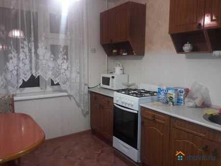 Сдам 2-комнатную квартиру, 55 м², Казань, улица Чистопольская, 35