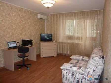 Сдаем комнату, 16 м², Красноярск, проспект Металлургов, 15