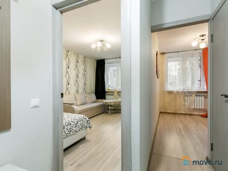 Сдаем 1-комнатную квартиру, 38 м², Киров, улица Свободы, 163