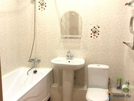 Сдам 1-комнатную квартиру, 36 м², Петропавловск-Камчатский, улица Академика Курчатова, 19