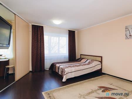 Сдаю 1-комнатную квартиру, 38 м², Псков, улица Плехановский посад, 75