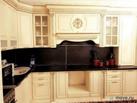 Продаем 2-комнатную квартиру, 74 м², Сургут, улица Александра Усольцева, 30