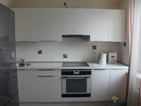 Сдам 1-комнатную квартиру, 44 м², Одинцово, улица Молодежная, 18
