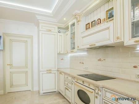 Продаю 2-комнатную квартиру, 77 м², Сочи, улица Демократическая