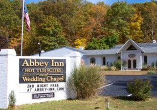 Американский отель списал с постояльцев деньги за гневный отзыв