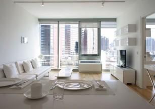 Ровно половину элитной «первички» занимают апартаменты