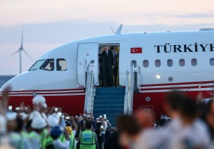 В новом аэропорту Стамбула приземлился первый самолет