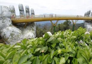 Во Вьетнаме построили «Золотой мост» на ладонях