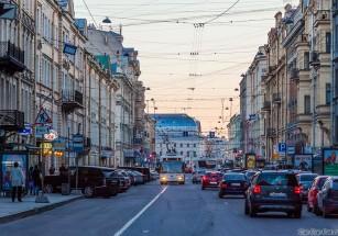 Арендные малогабаритки подешевели в Москве, но подорожали в Питере
