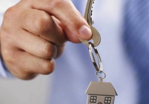 Среди молодых покупателей жилья в бизнес-новостройках преобладают мужчины