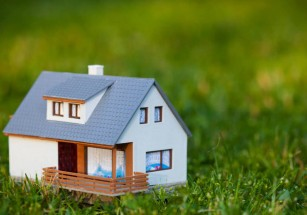 В среднем арендные дома в России с начала года подешевели на 2,2%