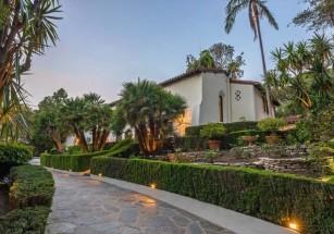 Джим Парсонс продает имение в Калифонии