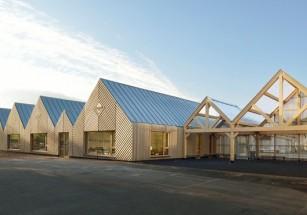 Во Франции построили экологичную школу из натурального дерева