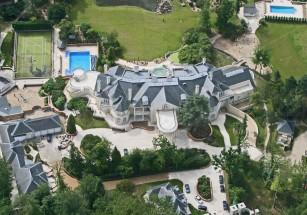 Средний метраж сотни самых дорогих загородных домовладений превышает 2 тыс. «квадратов»