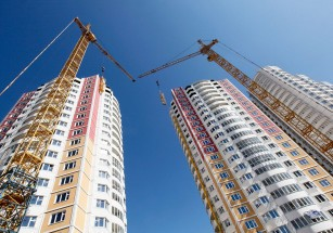 Более трех с половиной десятков ЖК с апартаментами введут в строй до конца года