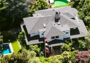 Цукерберг тайно приобрел два имения