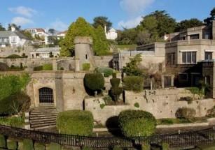 В Британии продают замок современной постройки