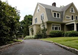 Американская семья продала дом из-за таинственных угроз