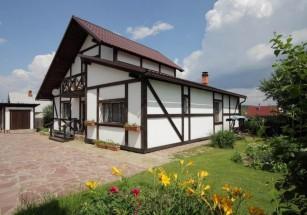 В Солнцево и Сосенском частные дома за год подорожали более чем на 10%