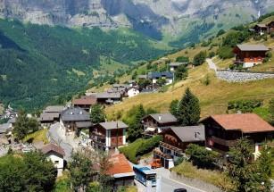 Швейцария готова платить молодежи за проживание в деревне