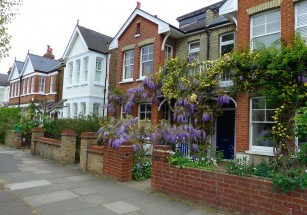 В Великобритании выставлен на продажу двухэтажный дом за 1 фунт