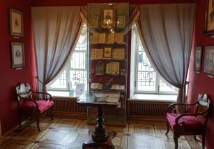 Квартиру Пушкина предлагают купить в Питере