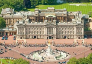 Королевская семья ищет прораба для реставрации Букингемского дворца