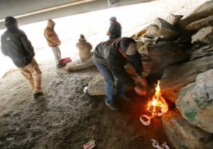 Каток стал местом изоляции американских бездомных