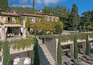 Летнюю резиденцию Брижит Бардо продают во Франции